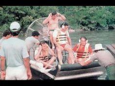 El hijo de Pablo Escobar revela el papel de EE.UU. en el negocio de las drogas (ENTREVISTA) - YouTube Pablo Emilio Escobar, Mafia, Colombian Drug Lord, National Police, Life Of Crime, The Life, In The Heights, Youtube, Gangsta Gangsta