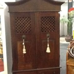 Find Antiques for Sale in Hillcrest! Search Gumtree Free Classified Ads for Antiques for Sale and more in Hillcrest. Hey Jude, Farm Barn, Antiques For Sale, Mondays, Delivery, Cool Stuff, News, Hot, Holiday