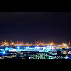 Instagram【pgty7000】さんの写真をピンしています。 《横浜の原動力. 本牧埠頭のクレーン群です🏗国際貿易港の横浜港でも最大規模みたいです☝🏻️👀 #本牧埠頭 #横浜 #みなとみらい #港の見える丘公園 #港 #横浜港 #国際貿易港 #工場夜景 #夜景 #絶景 #風景 #景色 #nightview #yokohama #カメラ男子 #カメラおじさん #カメラおじいちゃん#ファインダー越しの私の世界 #カメラ好きな人と繋がりたい #igersjp #instagramjapan #team_jp_  #tokyocameraclub #東京カメラ部#bestjapanpics #夜景ら部 #Nikon #みなとみらい21 #リーブ21 #センチュリー21》