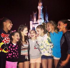 Who are you 3 favorite girls in dance moms? Mine are Maddie Kendall and Chloe Mackenzie Ziegler, Maddie Ziegler, Maddie Mackenzie, Dance Moms Quotes, Dance Moms Funny, Dance Moms Facts, Dance Moms Dancers, Dance Mums, Dance Moms Girls