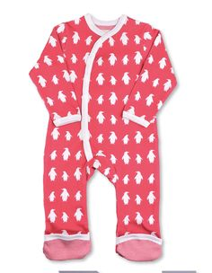 Attractive, vibrant colors make our signature Penguins pop on this luxurious organic cotton romper. Our soft, natural fibers are gentle on baby's skin and the g