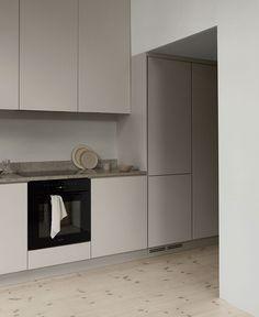 Gray Interior, Interior Design Kitchen, Interior Decorating, Beige Kitchen, New Kitchen, Küchen Design, House Design, Building A Kitchen, Interiores Design