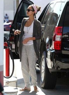Who Made It? Jessica Albas Pants While Out in Los Angeles | LUUUX
