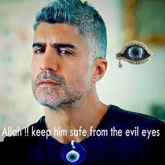 Allahim !! Onu kötü gözlerden uzak tut Round Sunglasses, Mirrored Sunglasses, Mens Sunglasses, Turkish Actors, Beautiful Creatures, Haircuts, Celebrities, Boys, Anime