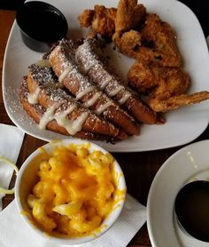 Old Lady Gang Restaurant In Georgia Has The Most Delicious Down-Home Southern Recipes Southern Dishes, Southern Recipes, Homemade Peach Cobbler, Local Eatery, Soul Food, Food To Make, Restaurant, Atlanta Georgia, Dinner