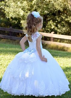 White flower girl dress Lace girls party dress Baby Toddler Birthday Princess Girls wedding dress First Communion Baptism Special occasion Pagent Dresses For Kids, Wedding Dresses For Kids, Holiday Dresses, Girls Dresses, Ivory Flower Girl Dresses, Mermaid Dresses, Tulle Dress, Lace Dress, Lace Bodice