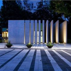 Have you just bought a new or planning to instal landscape lighting on the exsiting house? Are you looking for landscape lighting design ideas for inspiration? I have here expert landscape lighting design ideas you will love. Modern Landscape Design, Landscape Plans, Modern Landscaping, Landscaping Ideas, Landscaping Software, Garden Landscaping, House Landscape, Landscape Lighting Design, Landscaping Melbourne
