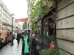 Jour de dégustation aux caves Bossetti, c'est la fête des fous de #chartreuse !