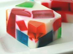 Gelatina Colorida - Veja como fazer em: http://cybercook.com.br/gelatina-colorida-r-7-1642.html?pinterest-rec
