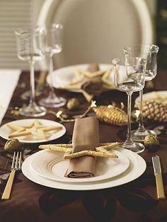 Tischdeko für Weihnachten: Weihnachtliche Tischdeko mit selbstgebackenen Sternen - Wohnen & Garten