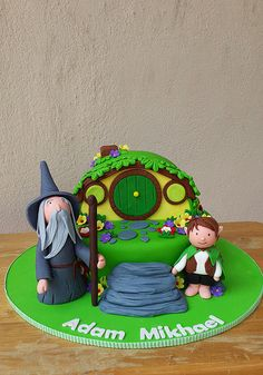 1000+ images about Wizard Cakes on Pinterest Hobbit cake ...