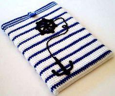 fundas71 Crochet Ipad Cover, Crochet Laptop Case, Crochet Pouch, Crochet Purses, Diy Crochet, Crochet Crafts, Crochet Projects, Knit Art, Crochet Books