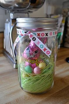 cute and easy Easter treat jars