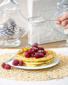 ♥ BE HAPPY - Leckere Pancakes für einen glücklichen Start in den Tag.  Hier findest du das Rezept dazu.  Viel Spass beim Nachbacken und vor allem beim geniessen. Cupcakes, Waffles, Breakfast, Food, Get Up, Homemade, Food Food, Rezepte, Morning Coffee