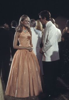 Check out production photos, hot pictures, movie images of Candice Bergen and more from Rotten Tomatoes' celebrity gallery! Petticoat Junction, Candice Bergen, Murphy Brown, Celebrity Gallery, Classic Looks, Classic Style, Stylish Girl, Fashion Models, Vintage Fashion