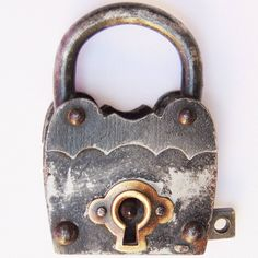 Cadeado Em Ferro Década De 50 60 Sem Chave Objetos Antigos - R$ 63,00 no MercadoLivre