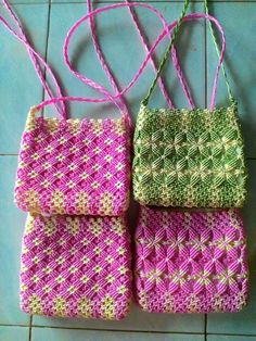 These bags were in vogue in the 70's across India - craft enthusiasts created everything - from vanity bags, purses, clutches, to lunch bags, wall murals, etc.