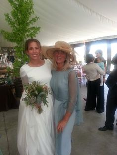 Inspiration: Wedding Style Over 50 (II) Mother Of Bride Outfits, Mother Of Groom Dresses, Mother Of The Bride, Bridesmaid Dresses, Wedding Dresses, The Dress, Wedding Styles, Wedding Hairstyles, Maid Of Honor