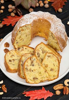 CHEC CU 3 FELURI DE NUCI | Diva in bucatarie My Recipes, Cake Recipes, Loaf Cake, Food Cakes, Sweet Bread, French Toast, Cheesecake, Food And Drink, Sweets
