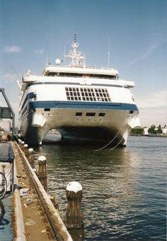 Radisson Diamond / MV China Star SWATH / Catamaran cruise ship