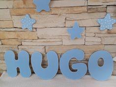 Letras de madera para formar el nombre del Bebe.