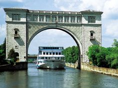 Volga lock near Uglich