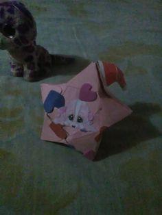 Caja de papel en forma de estrella