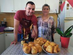 Τα ΠΙΡΟΣΚΙ της γιαγιάς μου | 3 Διαφορετικές γεύσεις | Pirozhki | Πирожки - YouTube Bakery, Muffin, Meat, Chicken, Breakfast, Food, Youtube, Morning Coffee, Essen