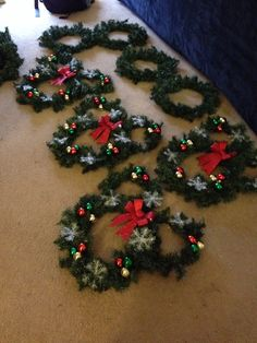 Cute pinteres diy mickey head christmas bulb wreath see more my mickey mouse wreaths solutioingenieria Image collections