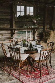 Bröllop Facienda / porslinsuthyrning / Boho wedding inspiration / Table setting / Wedding Decor by Rental Stories / Rustic barn wedding / Lantligt bröllop / Bröllopsdukning