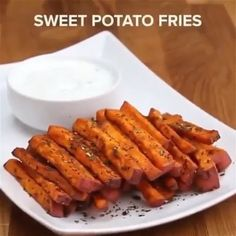 Veggie Fries Four Ways Which is your fave? *Swipe to see all 4 + below for recipes ⠀ ⠀ YOGURT CHIVE - Health and Nutrition Homemade Sweet Potato Fries, Parmesan, Zucchini, Weight Gain Meals, Weight Loss, Crockpot, Veggie Fries, Best Food Ever, Fried Potatoes