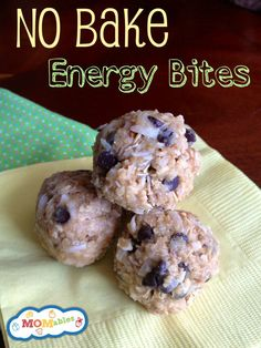These No-Bake Energy Bites are perfect for the lunch box from MOMables.com