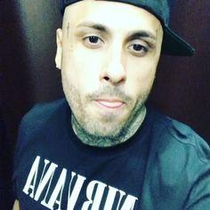 Nicky Jam @nickyjampr: Hasta yo me oigo lindo en el elevador bendiciones buenos días Hollywood, Profile, Instagram, Mens Tops, T Shirt, Fashion, Elevator, Singers, Bom Dia