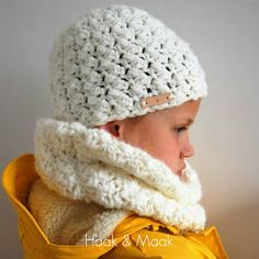 Haak by Daphne Crochet Baby Hats, Crochet Beanie, Crochet Scarves, Crochet For Kids, Diy Crochet, Crochet Hooks, Knitted Hats, Easy Crochet Stitches, Baby Poncho