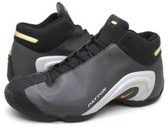 Nike Glove - Gary Paytons Another top 3 BBall Sneaker Mens Puma Shoes, Futuristic Shoes, Nike Gloves, Sneakers Fashion, Shoes Sneakers, Shoe Basket, Zapatillas Nike Air, Pink Nike Shoes, Best Basketball Shoes