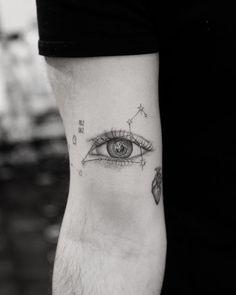 Date Tattoos, Mini Tattoos, Body Art Tattoos, Small Tattoos, Tattoos For Guys, Dr Woo Tattoo, Hiking Tattoo, Doctor Woo, Compass Tattoo