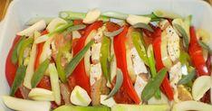 Nea-nál Az otthon ízei  blogban láttam meg ezt a csodásan színes húsételt, köszönöm az ötletet ! :-)  Nagyon könnyen ... Caprese Salad, Food, Red Peppers, Essen, Meals, Yemek, Insalata Caprese, Eten
