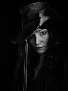Clara Paget as Anne Bonny - Black Sails Black Sails Cast, Black Sails Starz, Pirate Woman, Pirate Life, Pirate Queen, Black Sails Anne Bonny, Clara Paget, Charles Vane, Golden Age Of Piracy