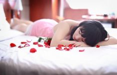 Vykuřováním k vášnivějším zážitkům, zkuste voňavé kouzlo lásky a uvidíte | Kouzlo vůní