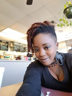 Semi freeform locs and undercut Short Locs Hairstyles, Shaved Side Hairstyles, Twist Hairstyles, Hair Twist Styles, Short Hair Styles, Nattes Twist Outs, Short Natural Styles, Braids With Shaved Sides, Tapered Natural Hair
