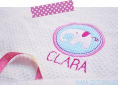 Ein Handtuch für Clara ~ Mara Zeitspieler. Lustige Elefanten als Applikationen für die Stickmaschine.