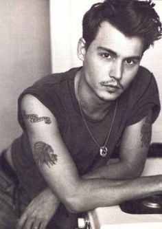 johnny+depp+when+he+was+young   Johnny-Depp-young-johnny-depp-17820083-282-399.jpg