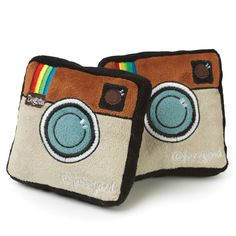 Insta-gram is so yesterday. Get with the new trend with the FuzzYard Dogsta-gram Dog Toy. Super cute, each toy has a squeaker inside for dog interaction.