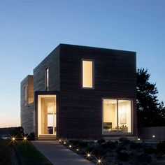 Roof of Rhode Island holiday home by Bernheimer Architecture features pyramid-like skylights