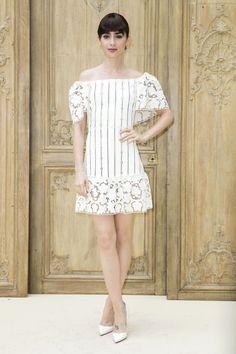 lily-collins-valentino-spring-2017-fashion-show-paris-fashion-week-pfw-front-row-tom-lorenzo-site-5