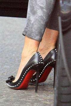 Purchase Christian Louboutin Lucifer Bow 120mm Pumps Black Online Of New And Distinct Style! #WhatSheLove#Highheels