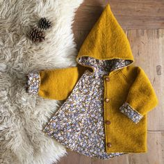 Wool Spring/Autumn coat Ocher Yellow Flowers