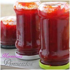 Los ingredientes que utilicé fueron los siguientes:uri  -5 pimientos rojos grandes  -700gr de azúcar  -1guindilla o cayena   -Lavamos y co...