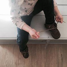 Toute seule  Sola sola  #lescornesdejuju #homedecoration #homedecor #deco #rack #perchero #portemanteau #fb #animalfriendly #aprentissage #touteseule #leslacets