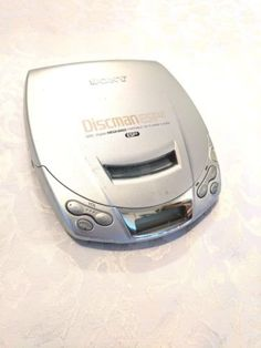 Sony D-E200 ESP2 Discman Portable CD Player.